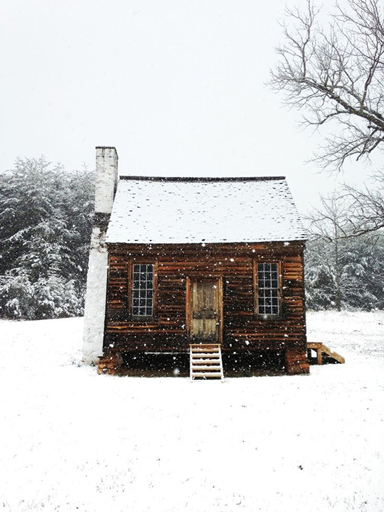 cottage-snow